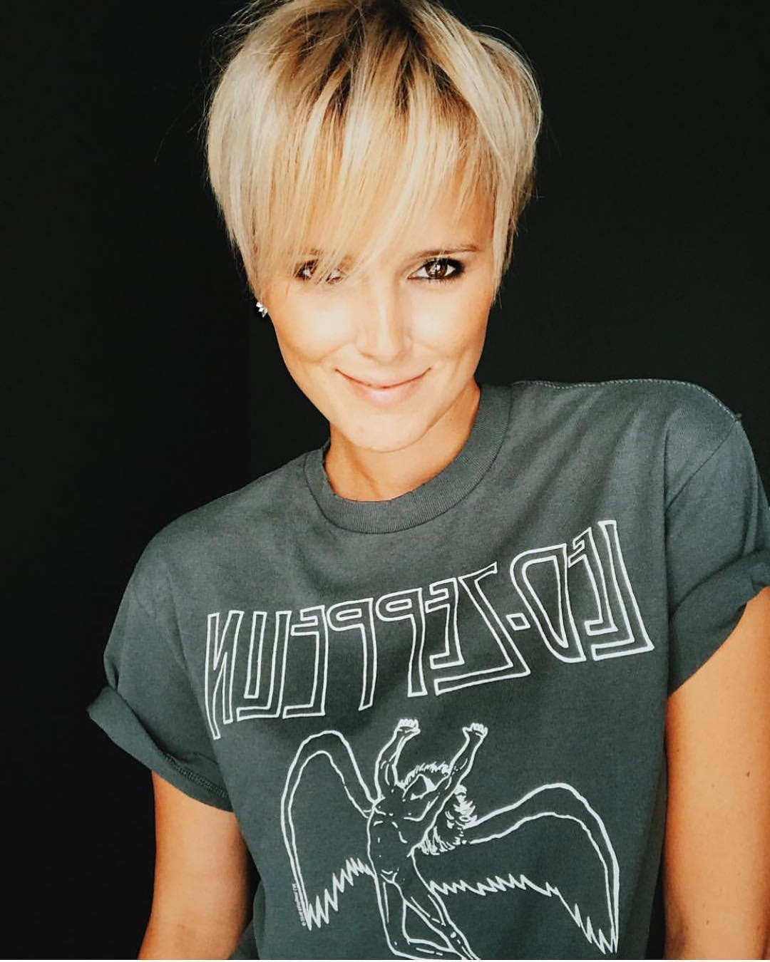 10 Trendy Very Short Haircuts For Female, Cool Short Hair For Best And Newest Elegant Feathered Undercut Pixie Hairstyles (View 17 of 20)