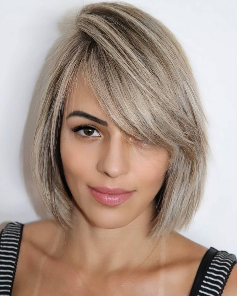 17 Best Side Swept Bangs (2020 Ideas + Pictures) With Regard To Well Known Side Swept Feathered Bangs Hairstyles (View 2 of 20)