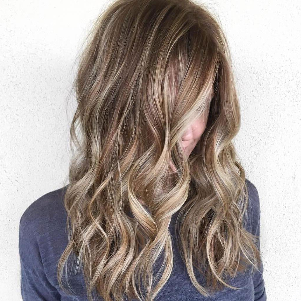 29 Brown Hair With Blonde Highlights Looks And Ideas Intended For Most Current Feathered Bangs Hairstyles With Bright Highlights (View 10 of 20)