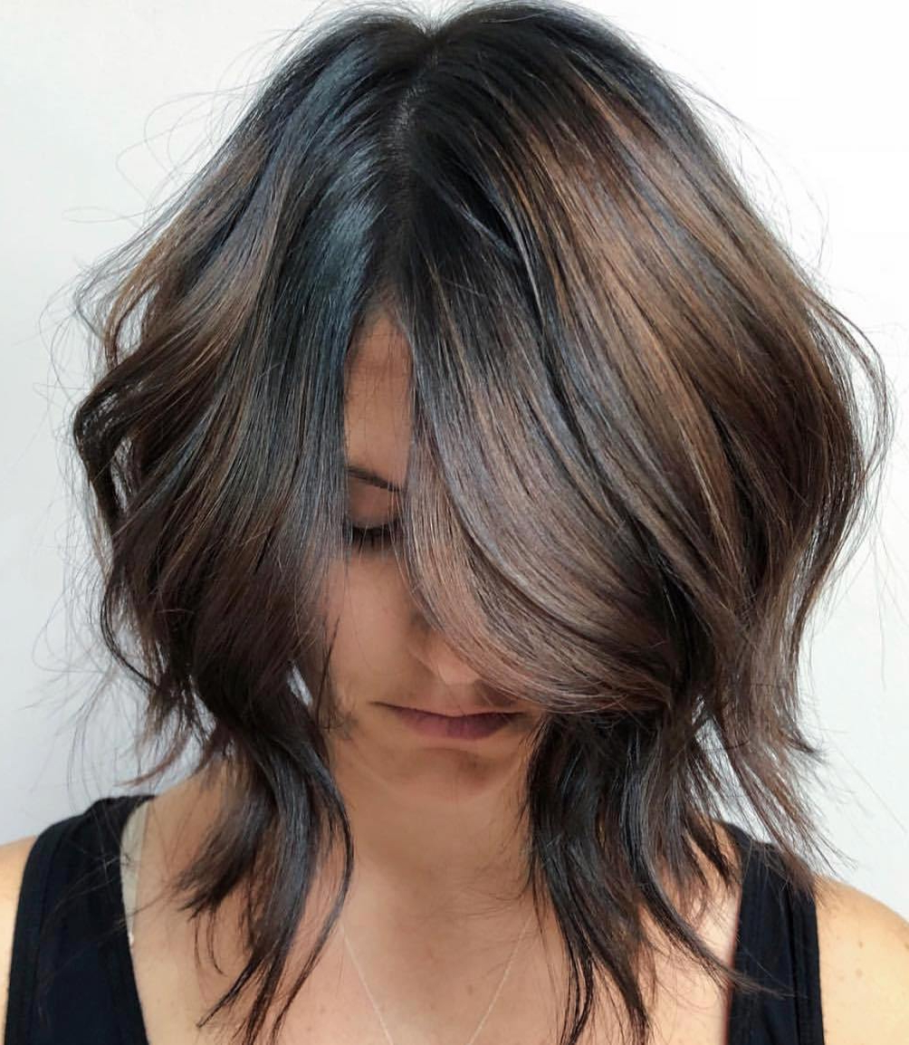 30 Hottest Trends For Brown Hair With Highlights To Nail In 2020 Throughout Best And Newest Feathered Bangs Hairstyles With Bright Highlights (View 8 of 20)