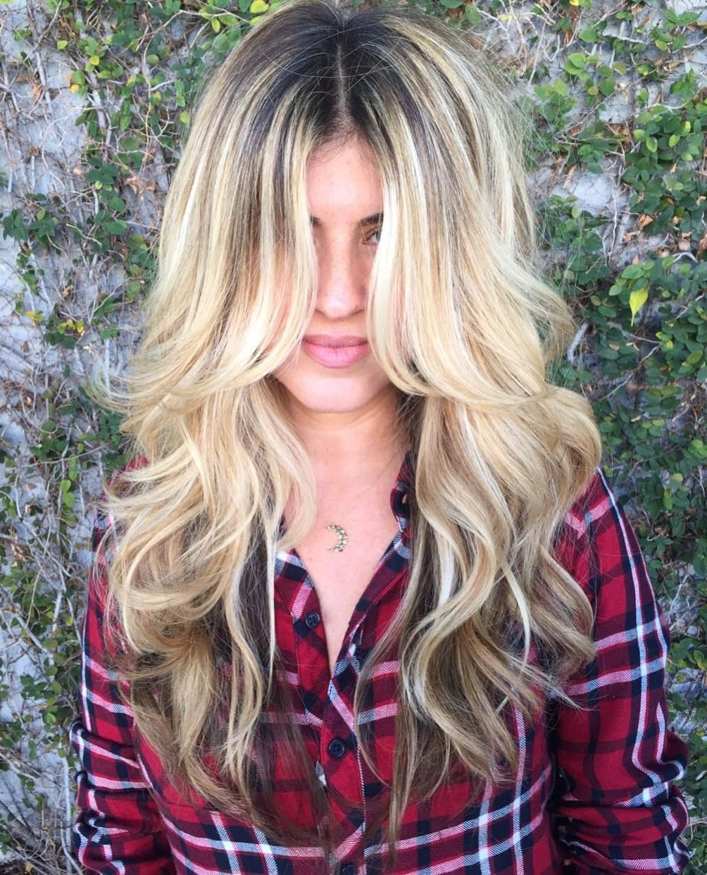 50 Prettiest Long Layered Haircuts With Bangs For 2020 Intended For 2018 Long Curtain Feathered Bangs Hairstyles (View 8 of 20)