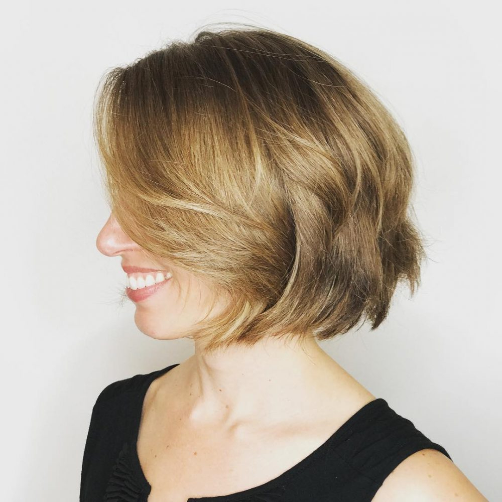 Hairstyles: Chin Length Angled Bob Hairstyles For Trendy Elongated Feathered Bangs Hairstyles With Edgy Mob (View 13 of 20)