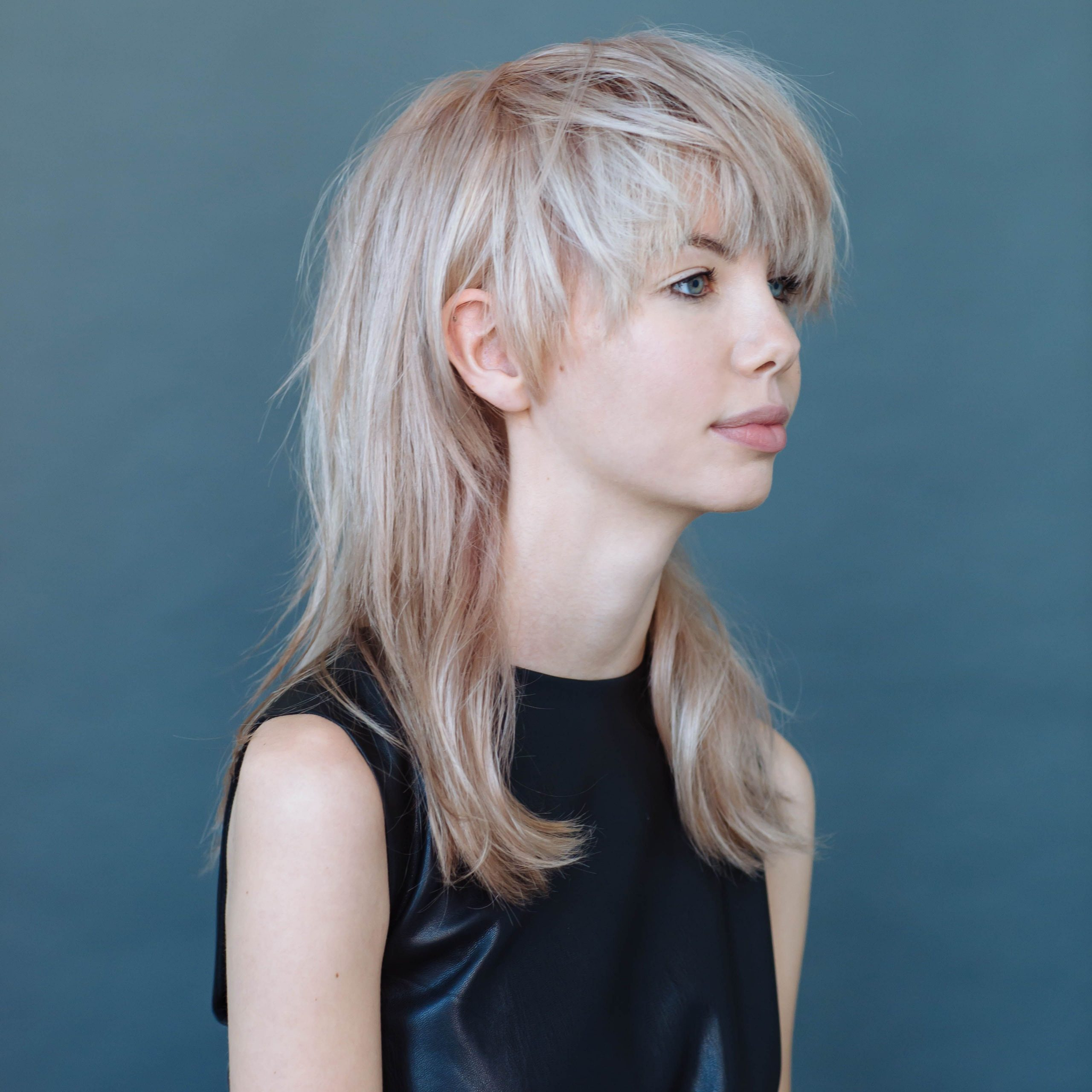 Popular Elongated Feathered Bangs Hairstyles With Edgy Mob For Mullet Love (View 3 of 20)