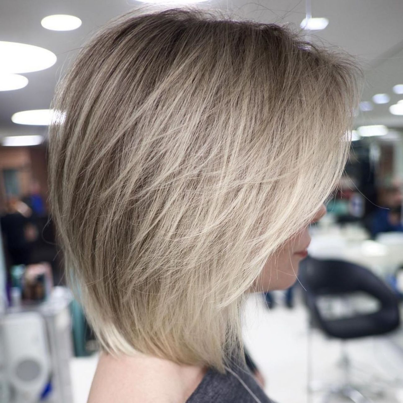 Popular Short Layered Bob Hairstyles With Feathered Bangs Regarding Feathered Bob With Side Bangs (View 5 of 20)
