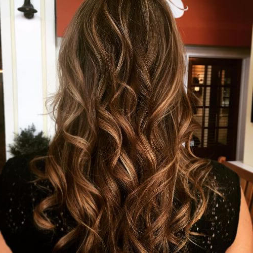 100 Caramel Highlights Ideas For All Hair Colors Inside Favorite Natural Curls Hairstyles With Caramel Highlights (View 7 of 20)