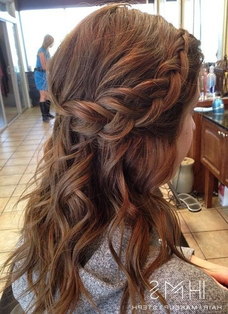 18 Shoulder Length Layered Hairstyles – Popular Haircuts Within Latest Light Pink Semi Crown Braid Hairstyles (View 14 of 20)
