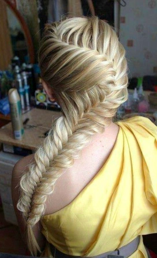 5 Cute And Easy Fishtail Braid Hairstyles – Popular Haircuts Throughout Newest Boho Fishtail Braid Hairstyles (View 18 of 20)