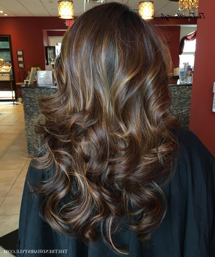 Caramel With Blonde – 60 Looks With Caramel Highlights On Regarding Trendy Deep Chocolate Curls Hairstyles With High Contrast Highlights (View 5 of 20)