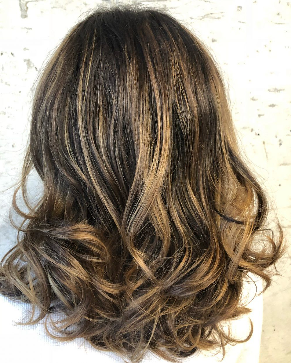 Current Honey Kissed Highlights Curls Hairstyles With Honey Brown Hair – 22 Rejuvenating Hair Color Ideas (View 13 of 20)