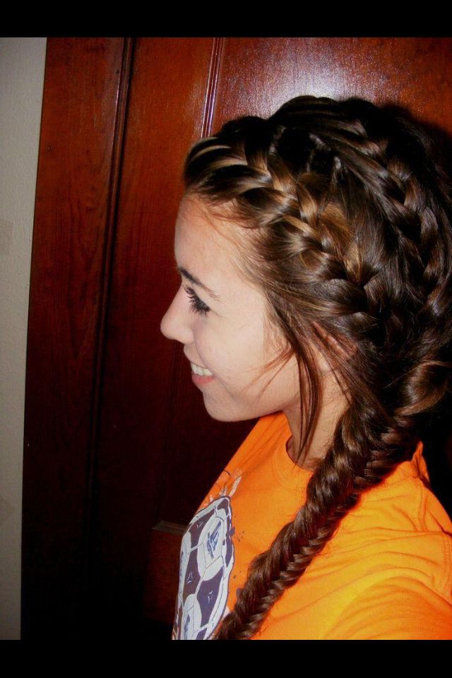 Featured Photo of Double Braided Single Fishtail Braid Hairstyles