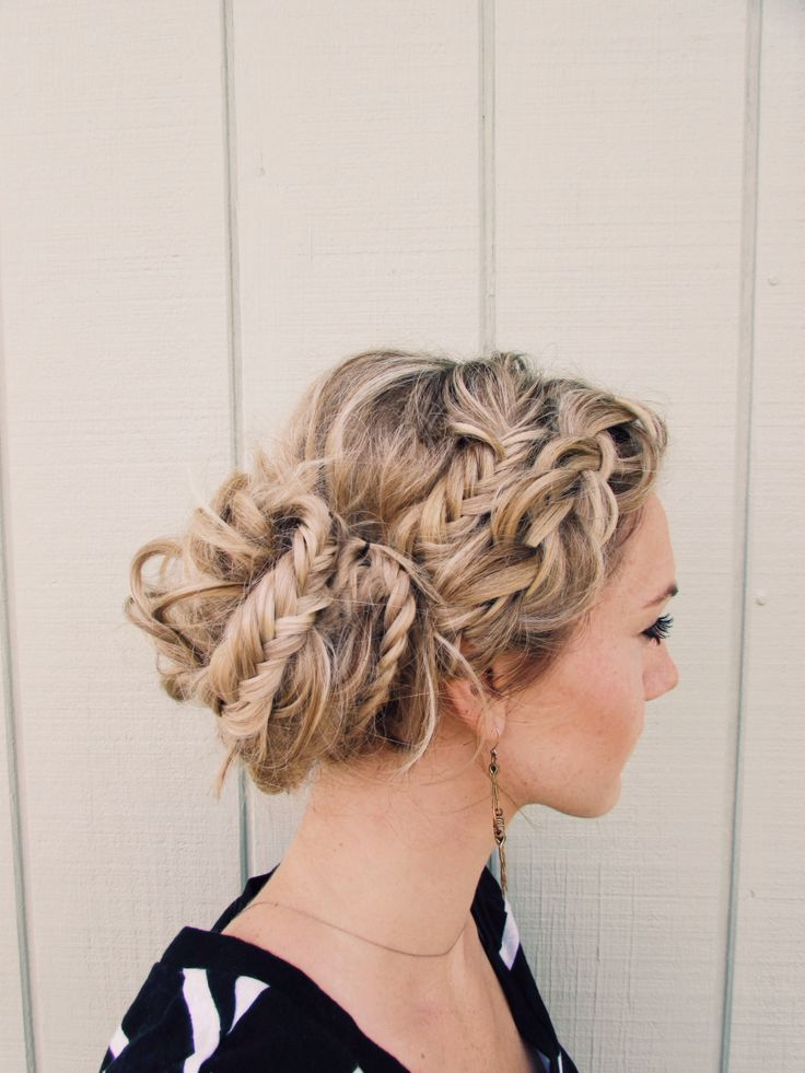 Famous Messy Elegant Braid Hairstyles Pertaining To 5 Messy Braids To Try This Autumn (View 2 of 20)