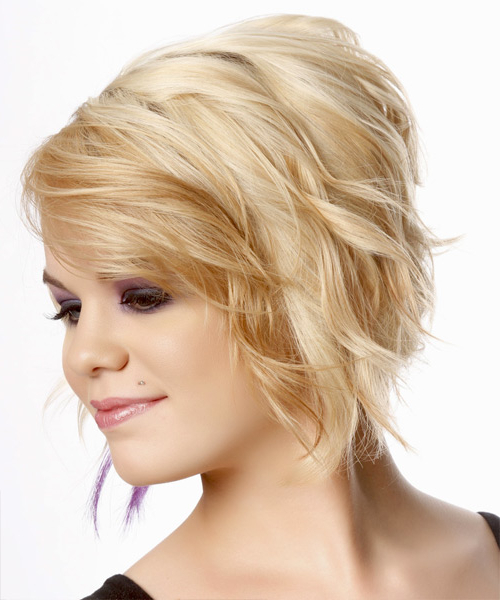 Fashionable Curly Pixie Hairstyles With Light Blonde Highlights For Short Wavy Light Champagne Blonde Hairstyle With Light (View 3 of 20)