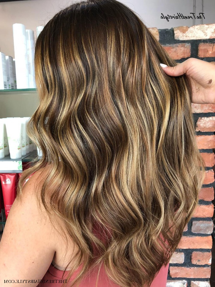 Golden Blonde Balayage For Straight Hair – Honey Blonde For Popular Curls Hairstyles With Honey Blonde Balayage (View 11 of 20)