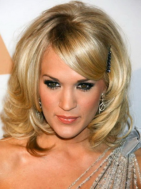 Hairstyles Medium Length With Bangs Intended For 2018 Middle Length Hairstyles With Highlights And Bangs (View 10 of 20)