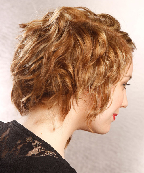 Medium Wavy Dark Golden Blonde Hairstyle With Light Blonde Intended For Well Known Curly Pixie Hairstyles With Light Blonde Highlights (View 5 of 20)