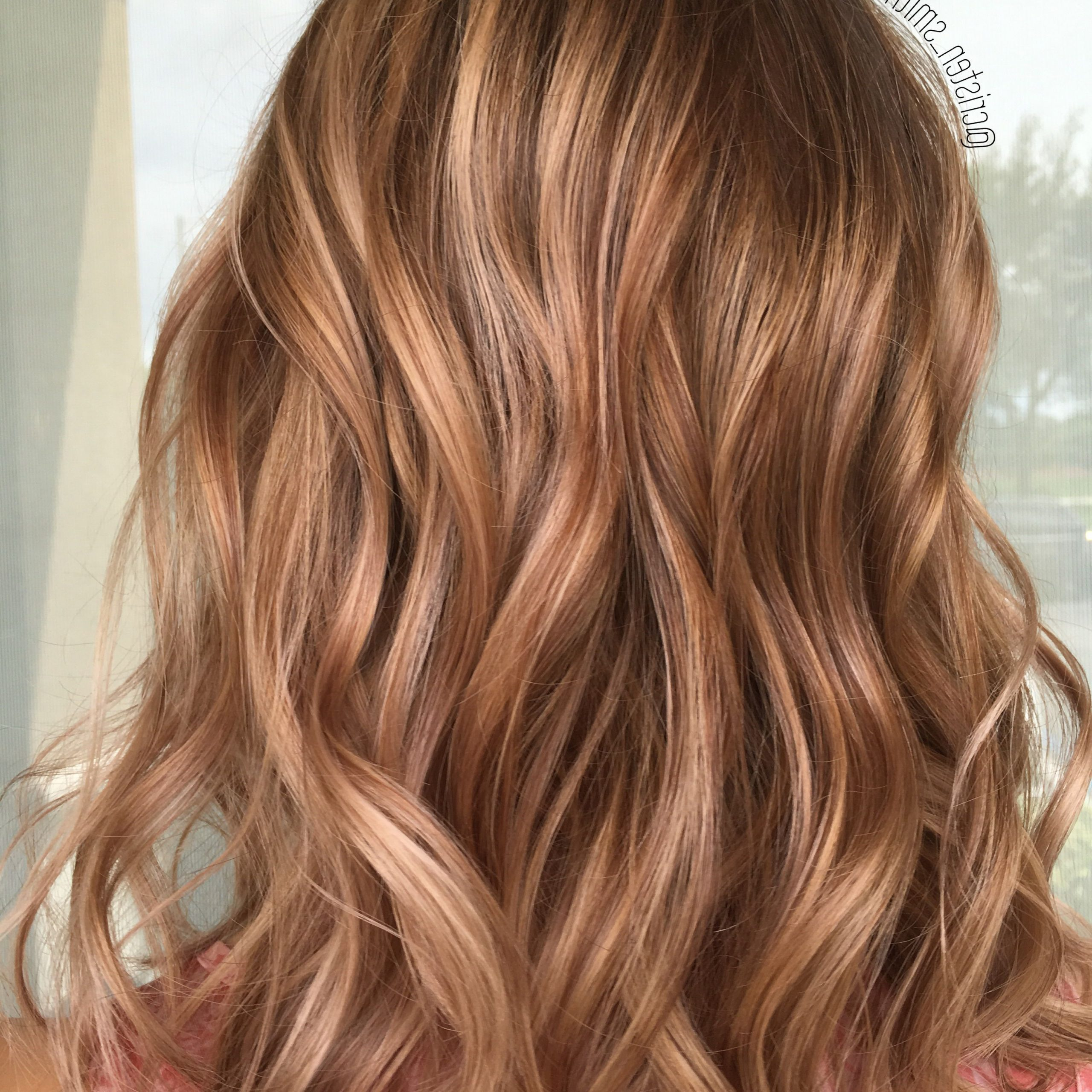 Warm Dimensional #blonde #hair #balayage #beauty #curls Pertaining To Current Curls Hairstyles With Honey Blonde Balayage (View 13 of 20)