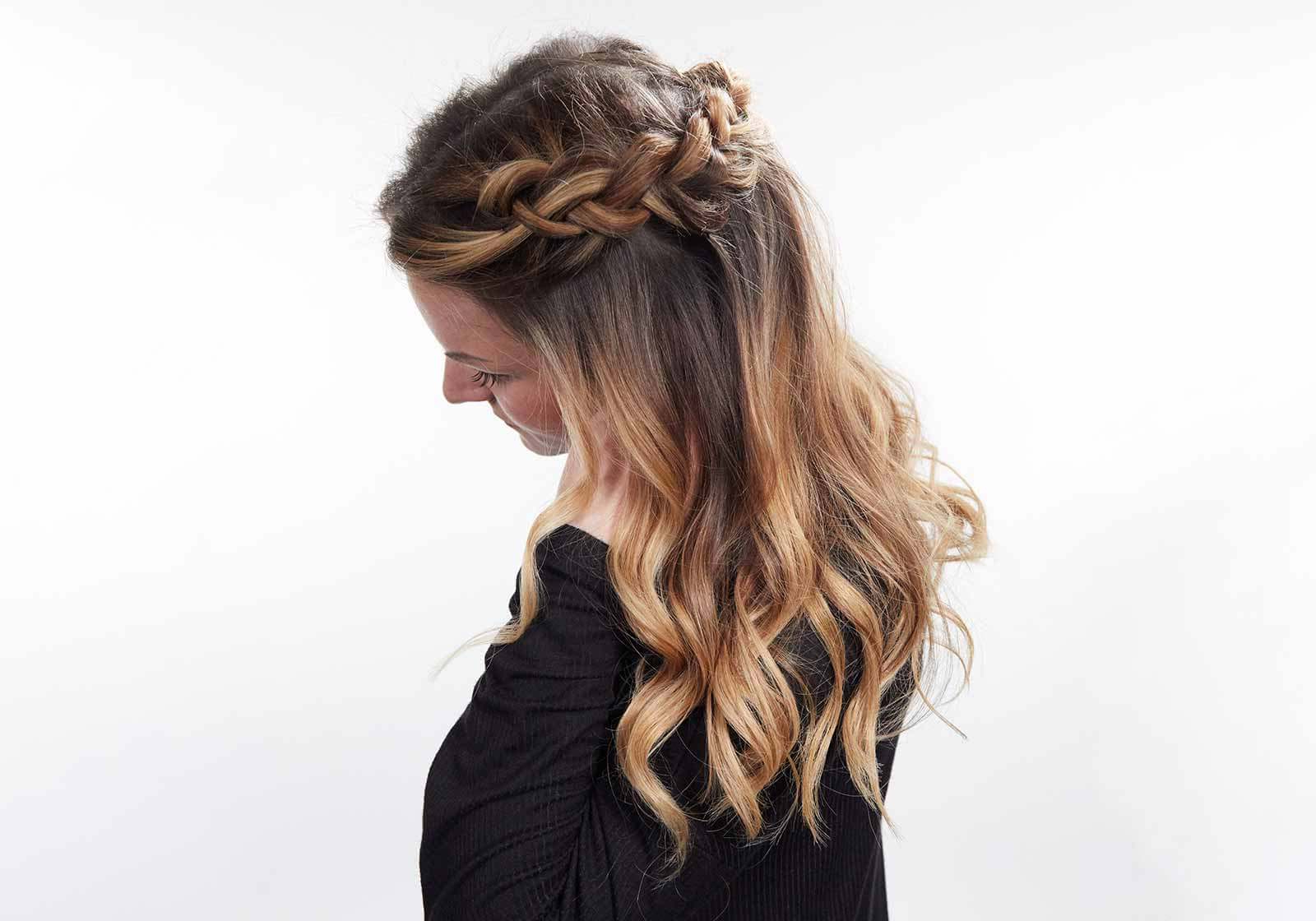 Featured Photo of Loose Pancaked Side Braid Hairstyles