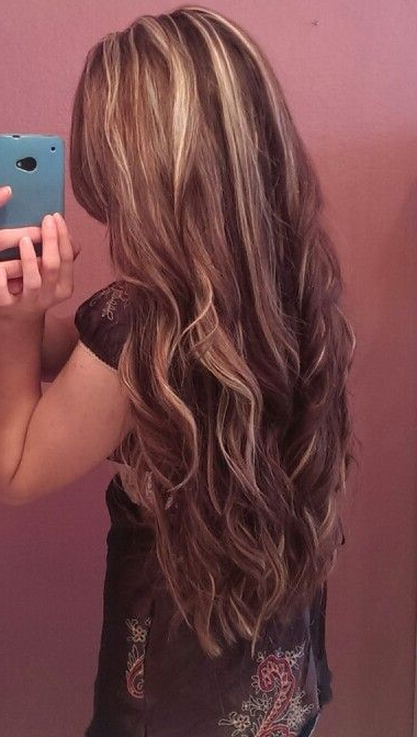 Well Known Painted Golden Highlights On Brunette Curls Hairstyles With Pinmelanie On My Style (View 9 of 20)