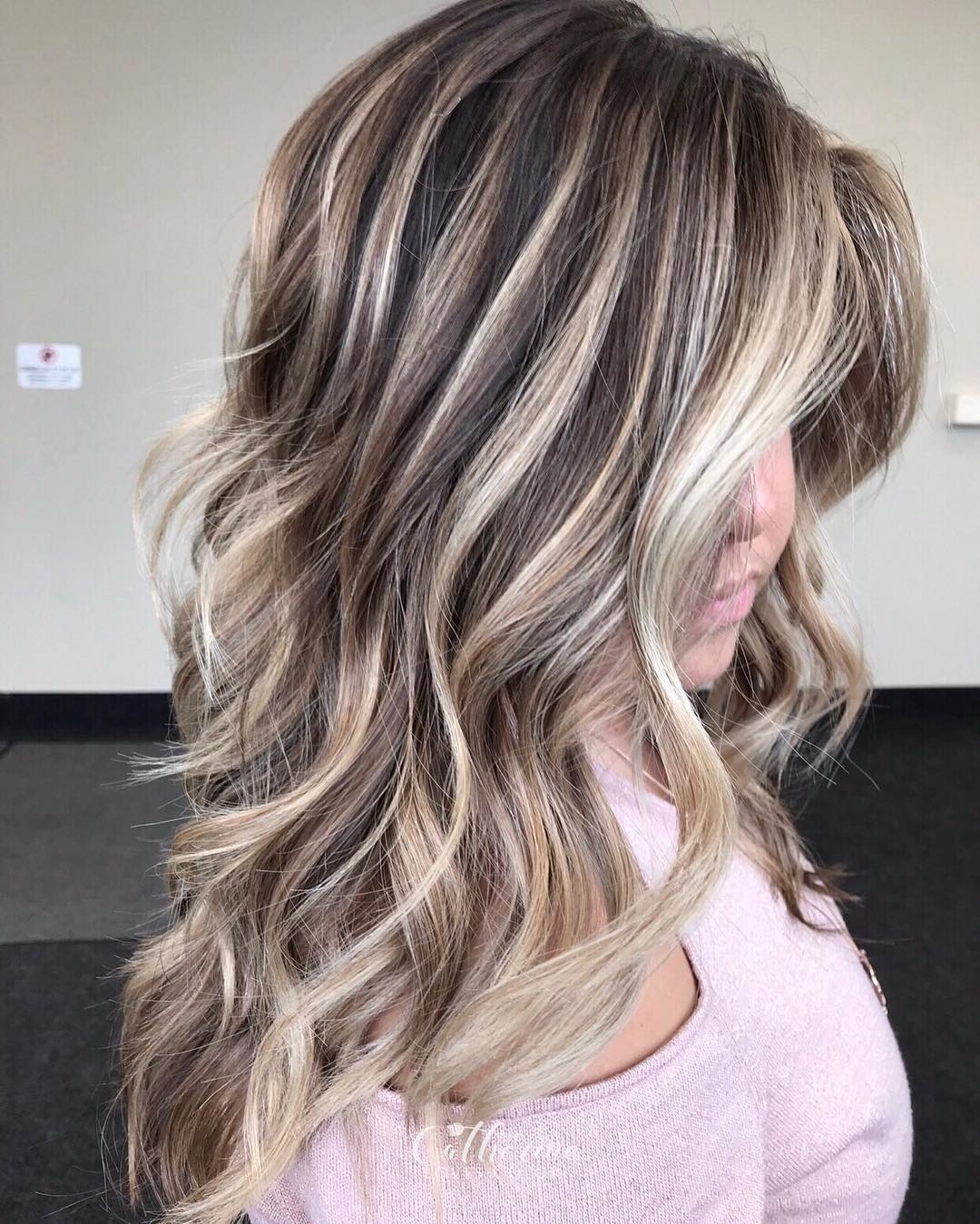 20 Caramel Highlights For Dark Brown Hair 2021 – Short For Black Hairstyles With Brown Highlights (View 3 of 20)