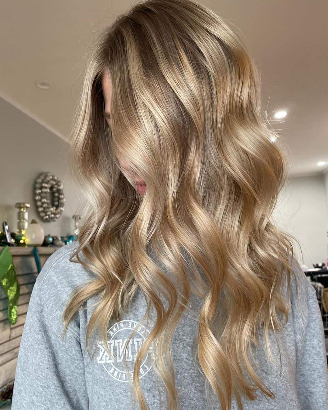 21 Beautiful Blonde Balayage Hairstyles | Stylesrant With Warm Blonde Balayage Hairstyles (View 4 of 20)