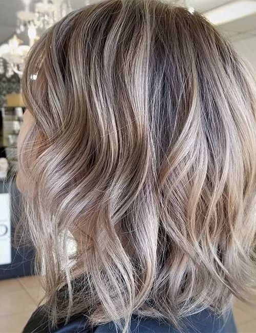 25 Trendy Balayage Looks For Short Hair Throughout Blonde Balayage On Short Dark Hairstyles (View 12 of 20)