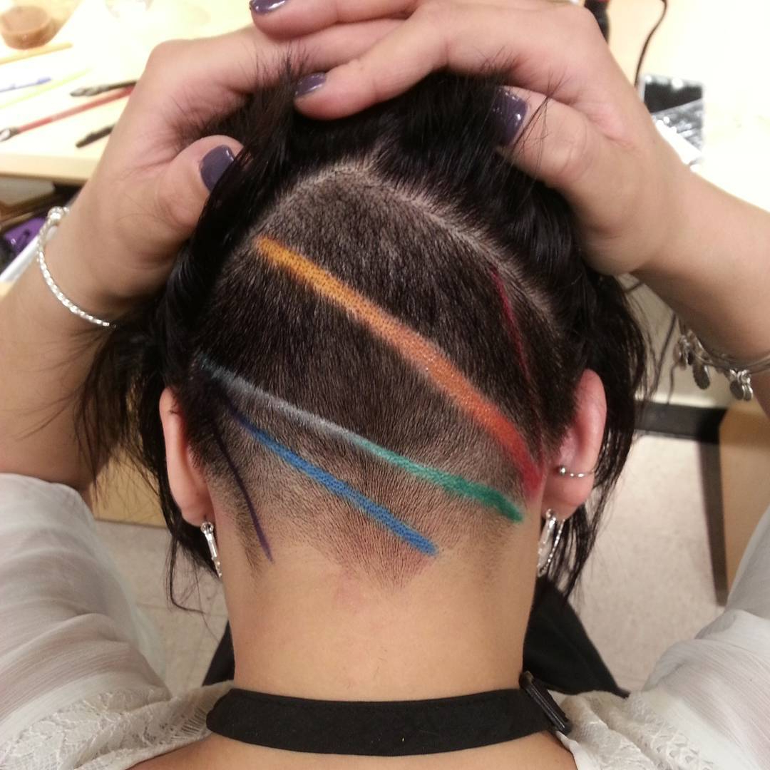 30 Hideable Undercut Hairstyles For Women You'll Want To Inside Fashionable Two Tone Undercuts For Natural Hair (View 10 of 20)