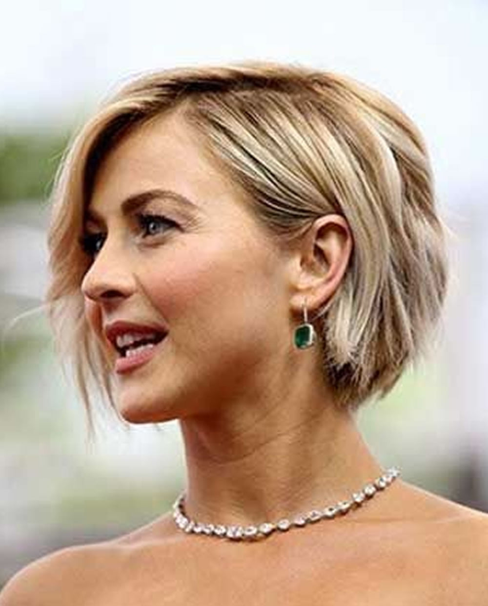 31 Chic Short Haircut Ideas 2018 & Pixie & Bob Hair Within Balayage For Short Stacked Bob Hairstyles (View 17 of 20)