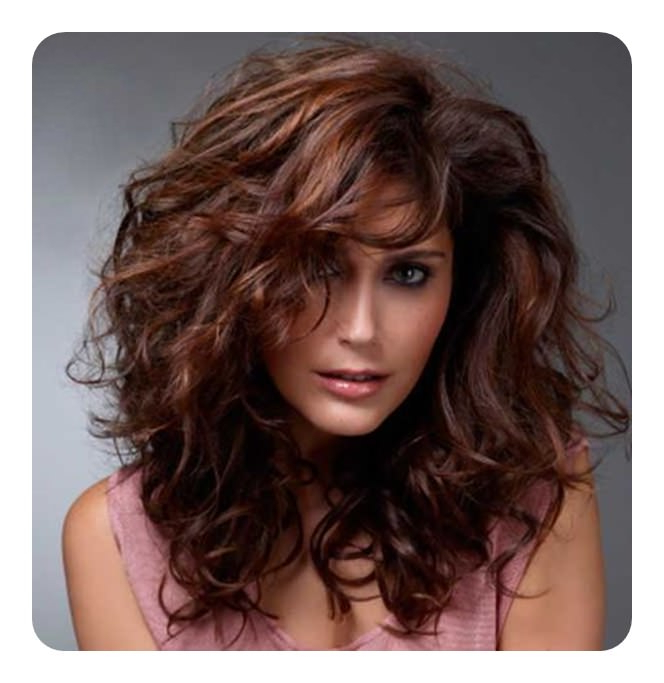 69 Beautiful Chestnut Hairstyles To Make Your Look Pop Throughout Chestnut Short Hairstyles With Subtle Highlights (View 16 of 20)