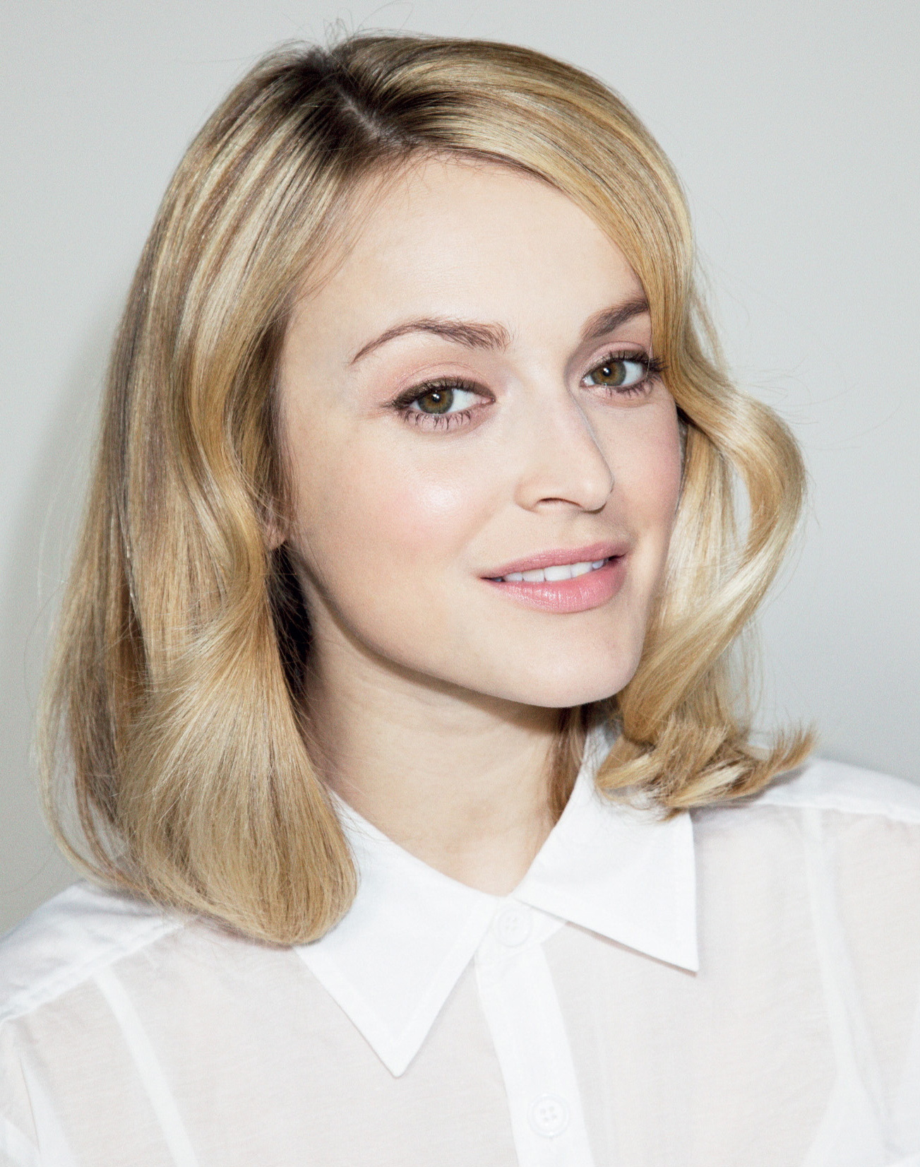 Best Medium Length Hairstyles For Thick Hair Inside Fashionable Blunt Bob Hairstyles With Face Framing Bangs (View 7 of 20)
