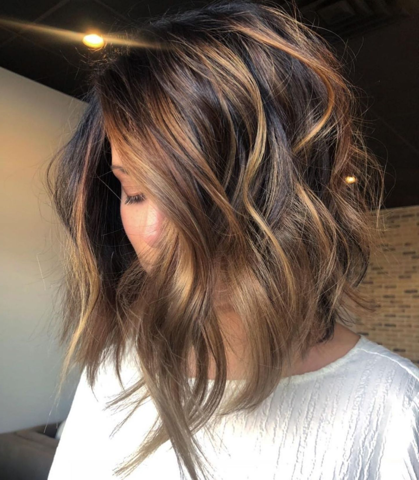 Featured Photo of Caramel Blonde Balayage On Inverted Lob Hairstyles
