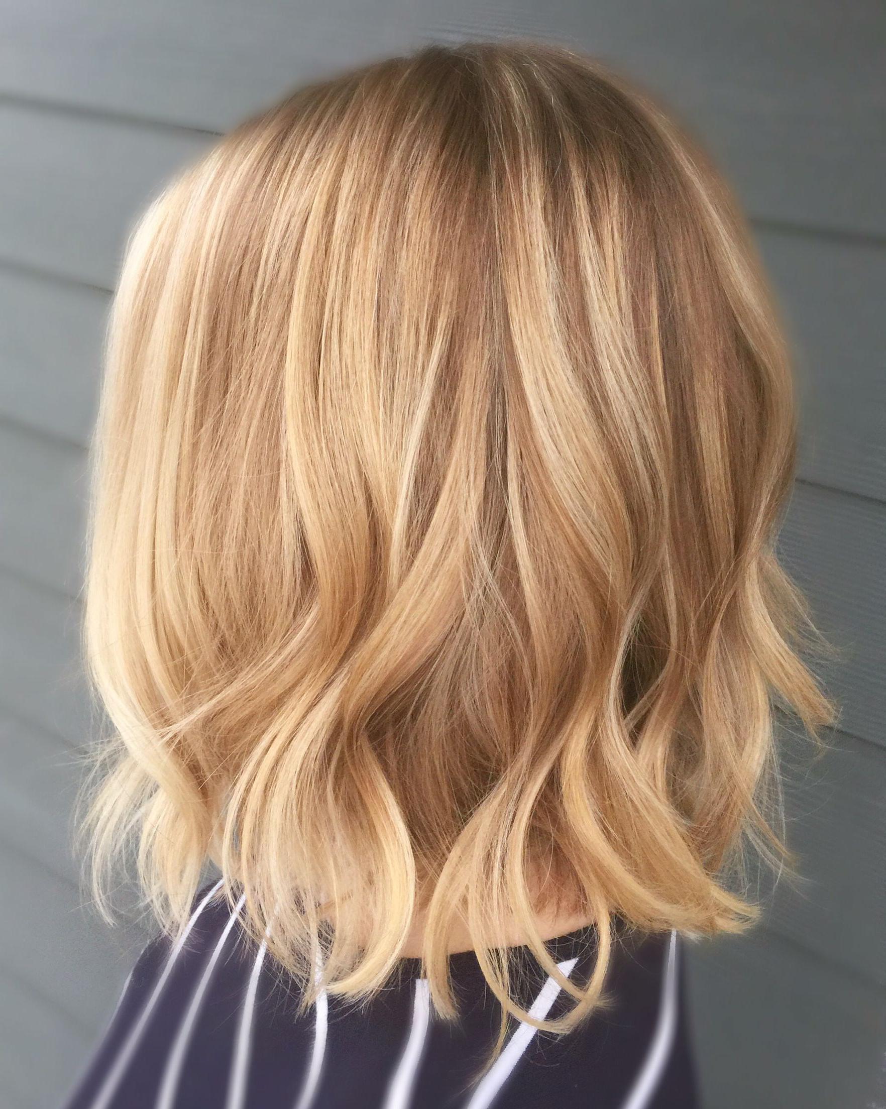 Blonde Balayage – Short Hair – Wavy – Lob – Curled Hair Regarding Warm Blonde Balayage Hairstyles (View 11 of 20)