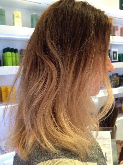 Box No. 216: Dark Roots/light Ends   Hair (View 4 of 20)