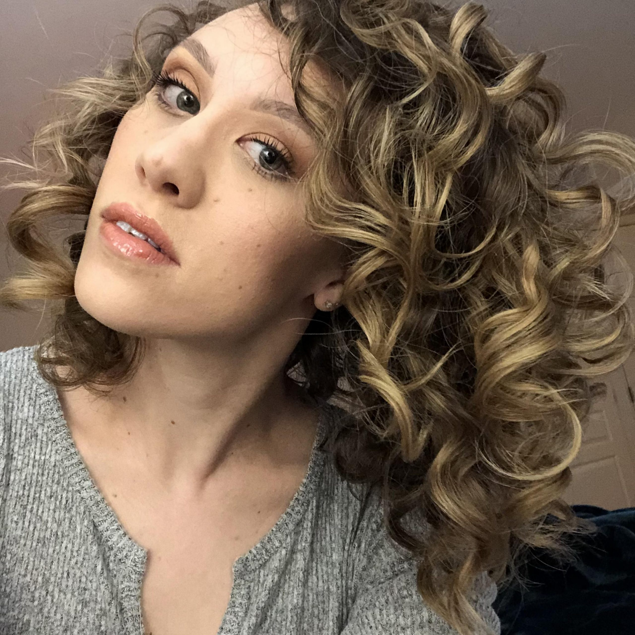 Featured Photo of Big, Natural Curls Hairstyles