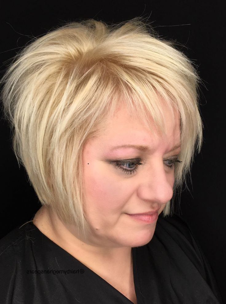 Featured Photo of Chin Length Bangs And Face Framing Layers Hairstyles
