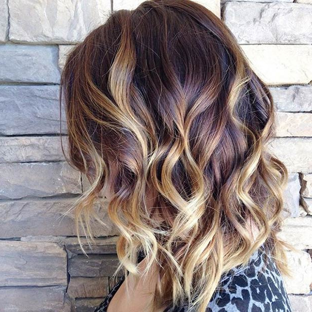 Famous Fiery Red 70s' Inspired Face Framing Layers Hairstyles Within 26 Popular Ombre Bob Hairstyles – Ombre Hair Color Ideas (View 13 of 20)