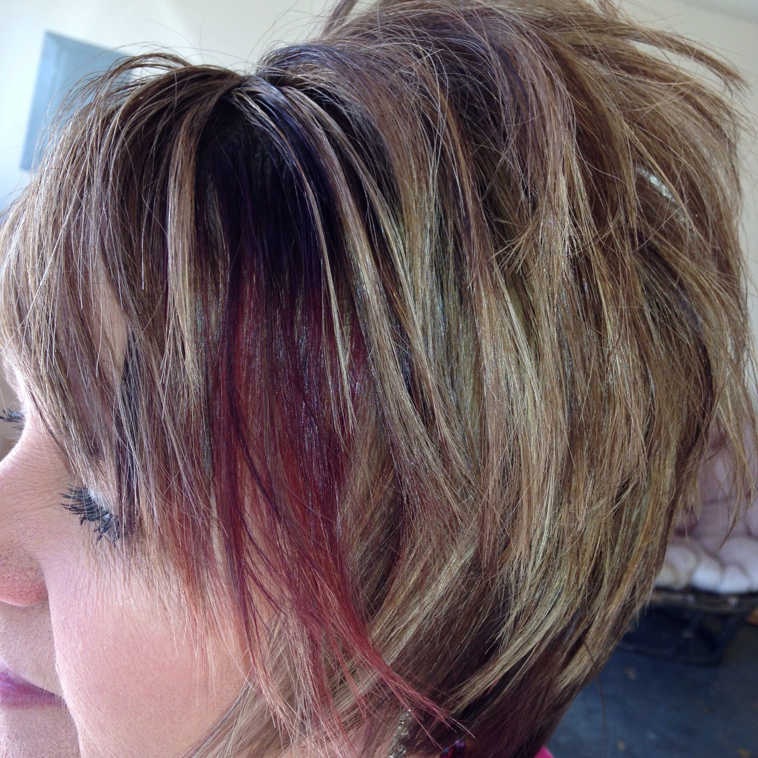 Featured Photo of Fiery Red 70S' Inspired Face Framing Layers Hairstyles