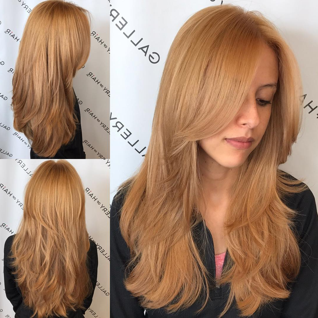 Golden Strawberry Blonde Shaggy Layered Cut With Center Intended For Shaggy Bob Hairstyles With Face Framing Highlights (View 9 of 20)