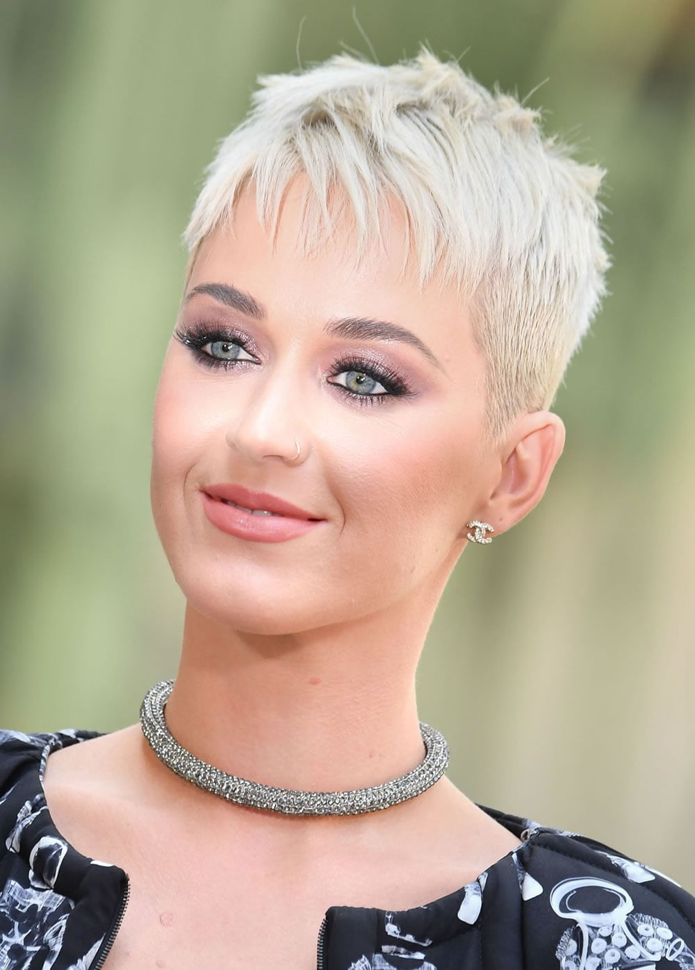 Katy Perry Short Pixie & Bob Haircuts 2018 – Short Haircut In 2017 Pixie Cut Hairstyles (View 17 of 20)