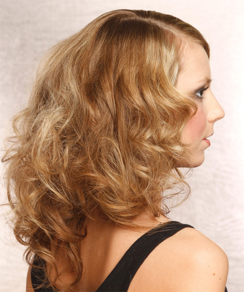 Medium Wavy Layered Dark Golden Blonde Bob Haircut With Inside White Blonde Curly Layered Bob Hairstyles (View 11 of 20)