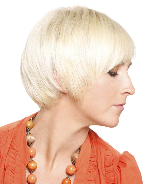 Most Recently Released Platinum Blonde Pixie Hairstyles With Long Bangs With Regard To Platinum Pixie Cut With Blunt Cut Bangs (View 12 of 20)