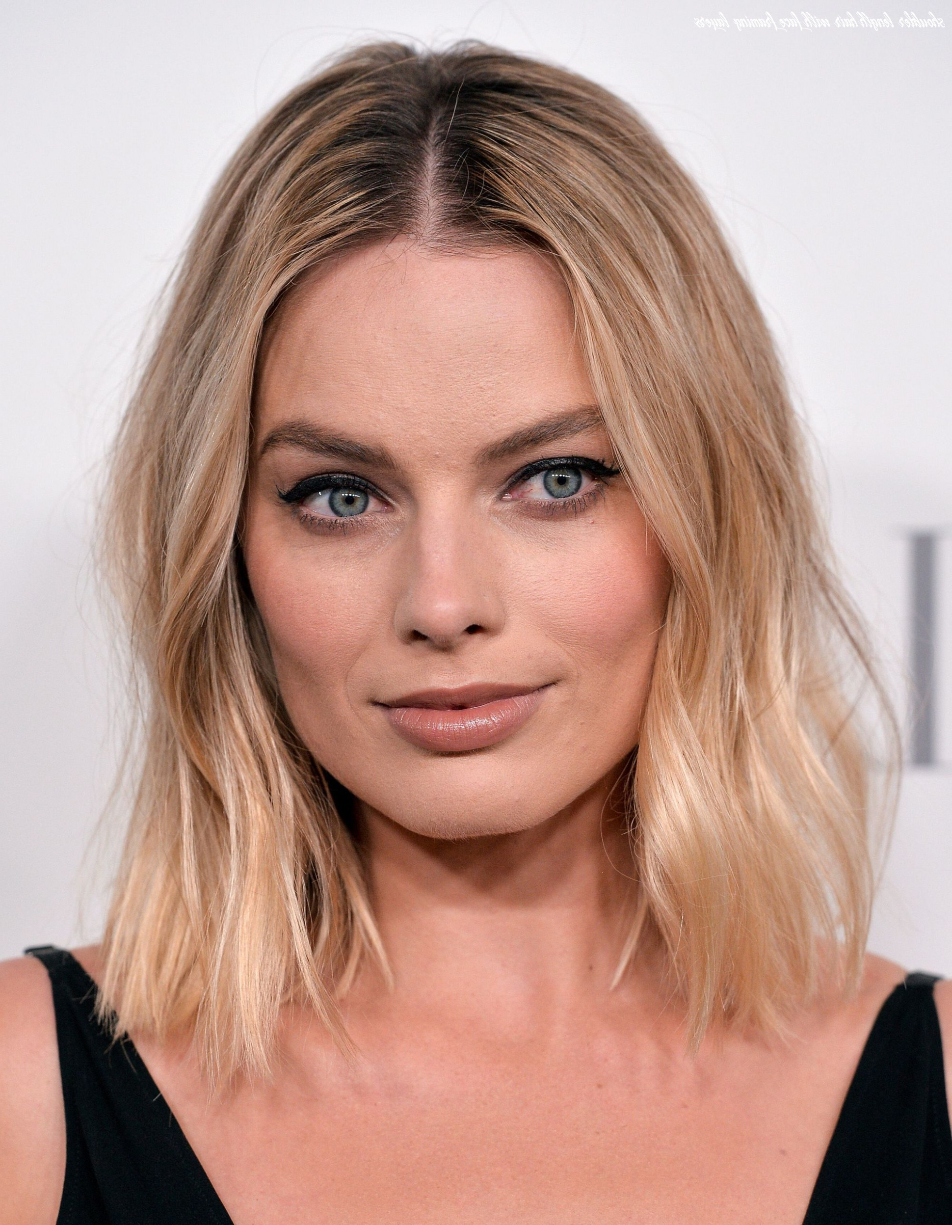 Most Up To Date Full Fringe And Face Framing Layers Hairstyles Intended For 10 Shoulder Length Hair With Face Framing Layers (View 2 of 20)