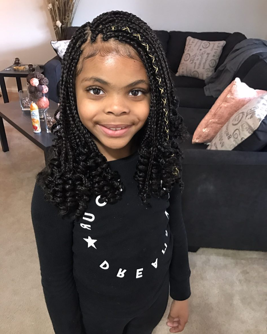 Featured Photo of Tiny Braids Hairstyles