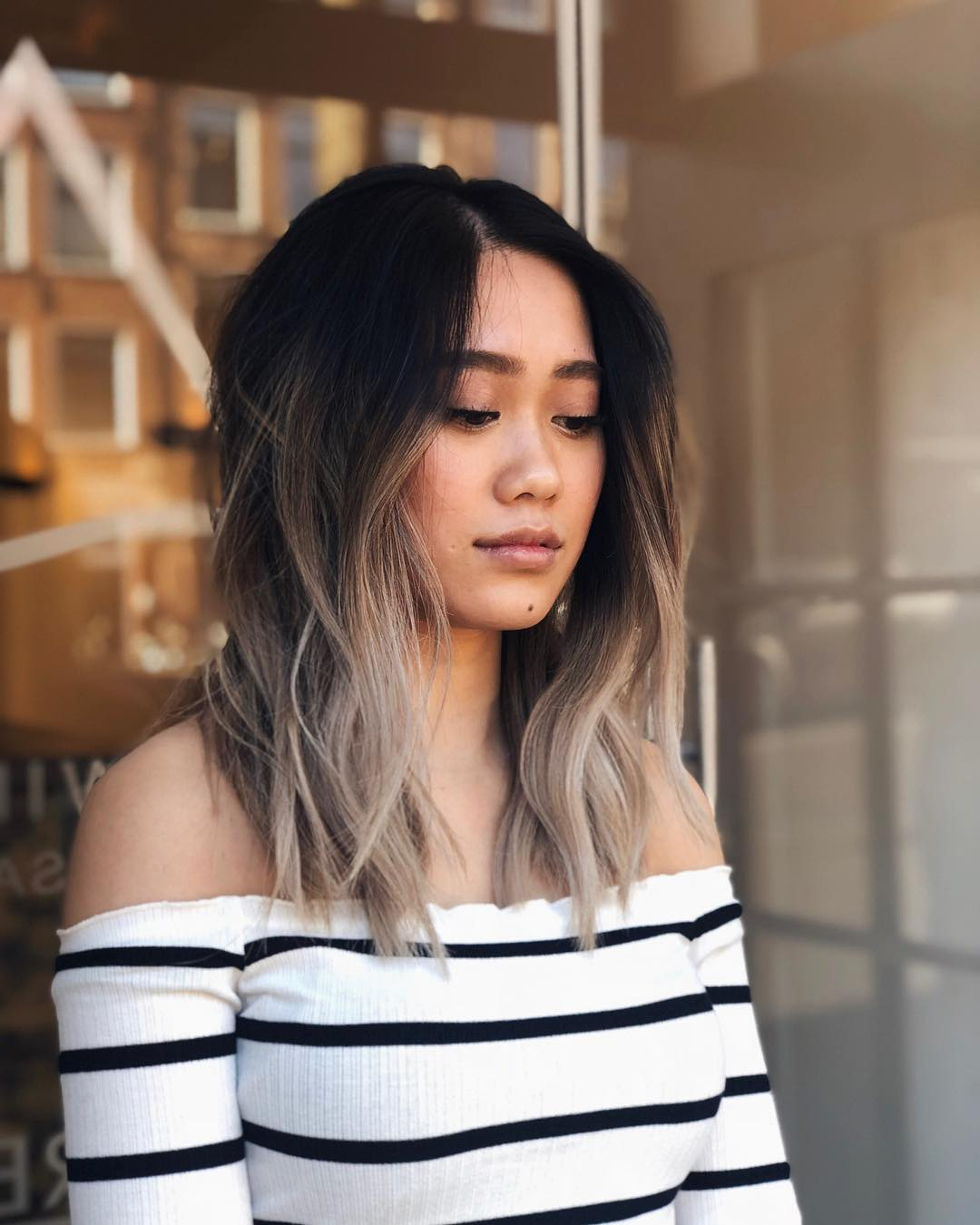 Recent Subtle Face Framing Layers Hairstyles Pertaining To Soft Layered Lob With Soft Waves And Black To Ash Blonde (View 12 of 20)