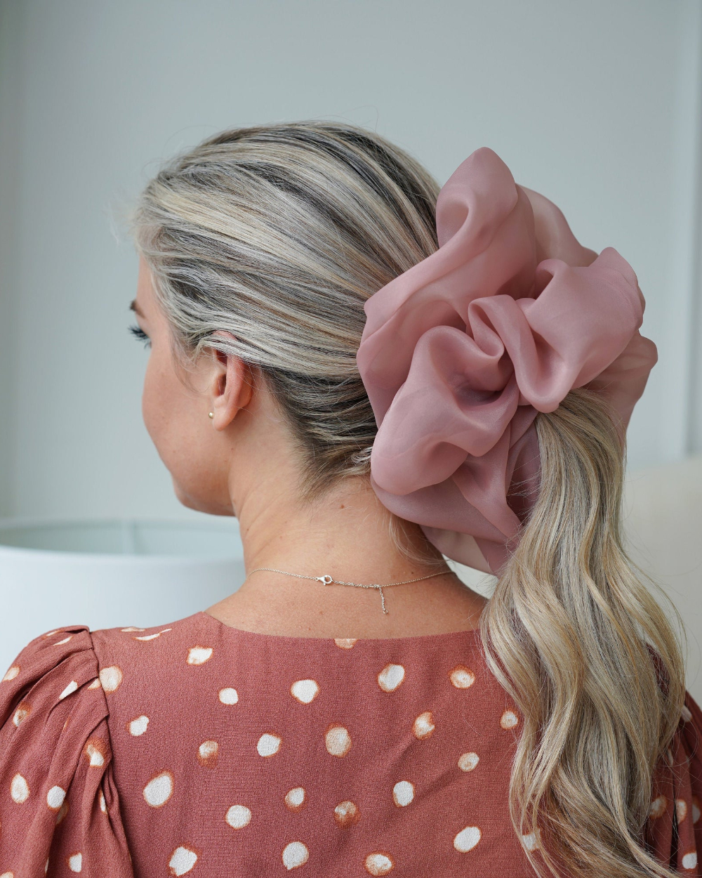 Scrunchie For Trendy Scrunchie Hairstyles (View 16 of 20)
