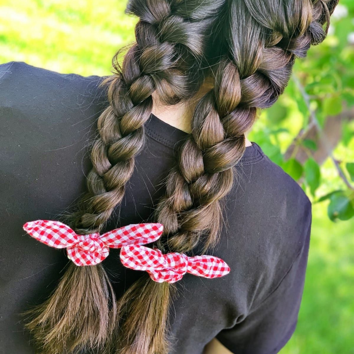 Featured Photo of Scrunchie Hairstyles