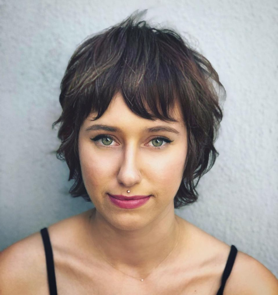 Shaggy Brunette Crop With Undone Texture And Fringe Bangs Inside 2019 Textured Haircuts With A Fringe And Face Framing (View 3 of 20)