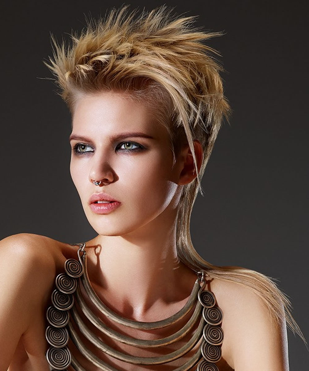 Featured Photo of Pixie Cut Hairstyles