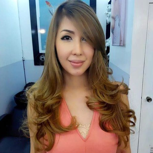 Trendy Long Layers Hairstyles With Face Framing Within Best Hairstyles For Long Face Shapes (View 12 of 20)