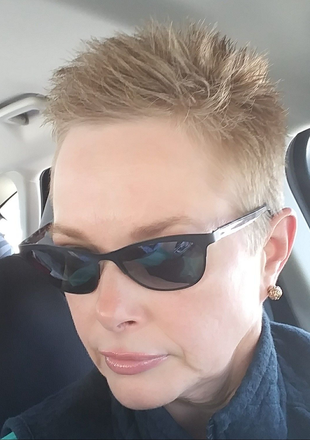 Trendy Short And Choppy Graduated Pixie Haircuts Within Pin On Pixie Cuts (View 7 of 20)