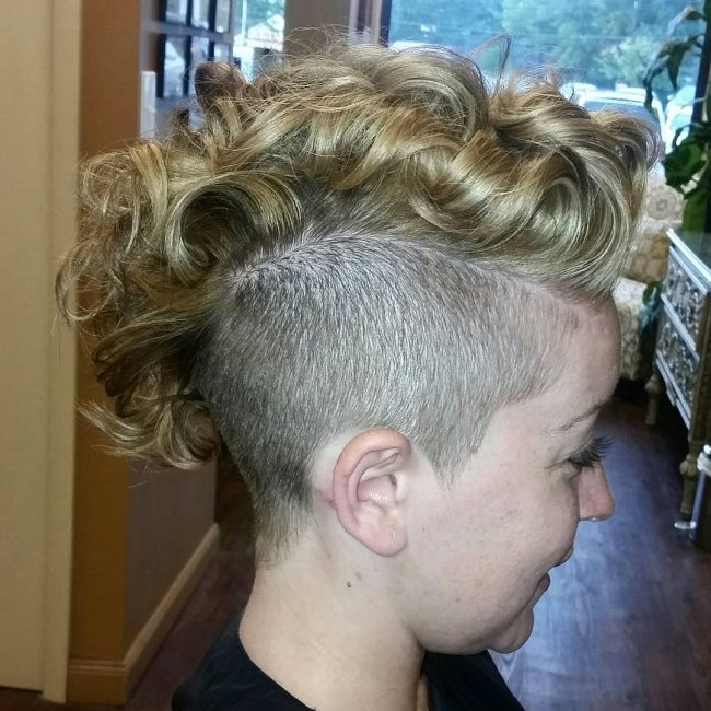 Well Known Two Tone Undercuts For Natural Hair With Curly Mohawk Hairstyles For Women  (View 9 of 20)